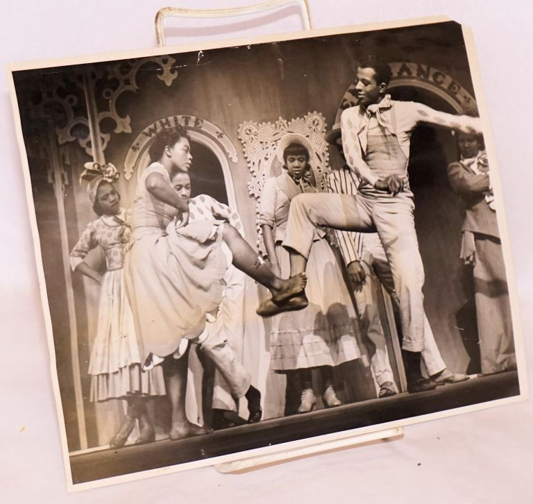 [Photo of 1946 Broadway revival of Showboat]. Eileen Darby.