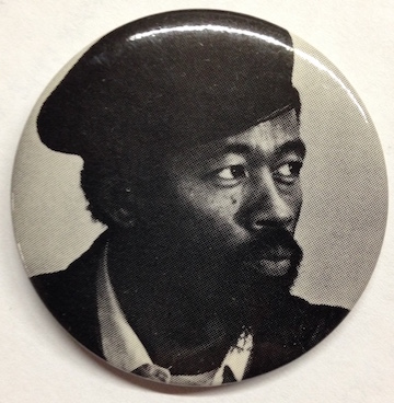 [Pinback button with portrait of Eldrige Cleaver wearing a beret]. Eldridge Cleaver.