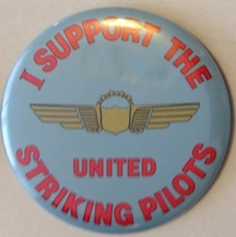 I support the United striking pilots [pinback button