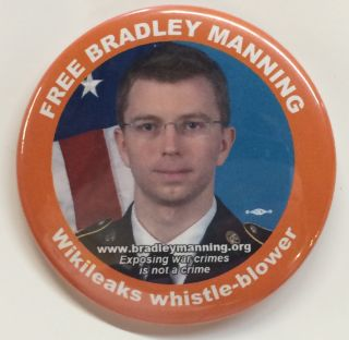Free Bradley Manning / Wikileaks whistle-blower [pinback button
